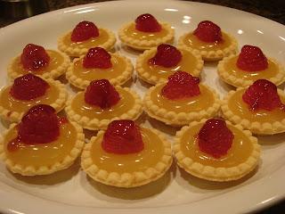 Bear in the Kitchen: Mini Lemon and Raspberry Tarts