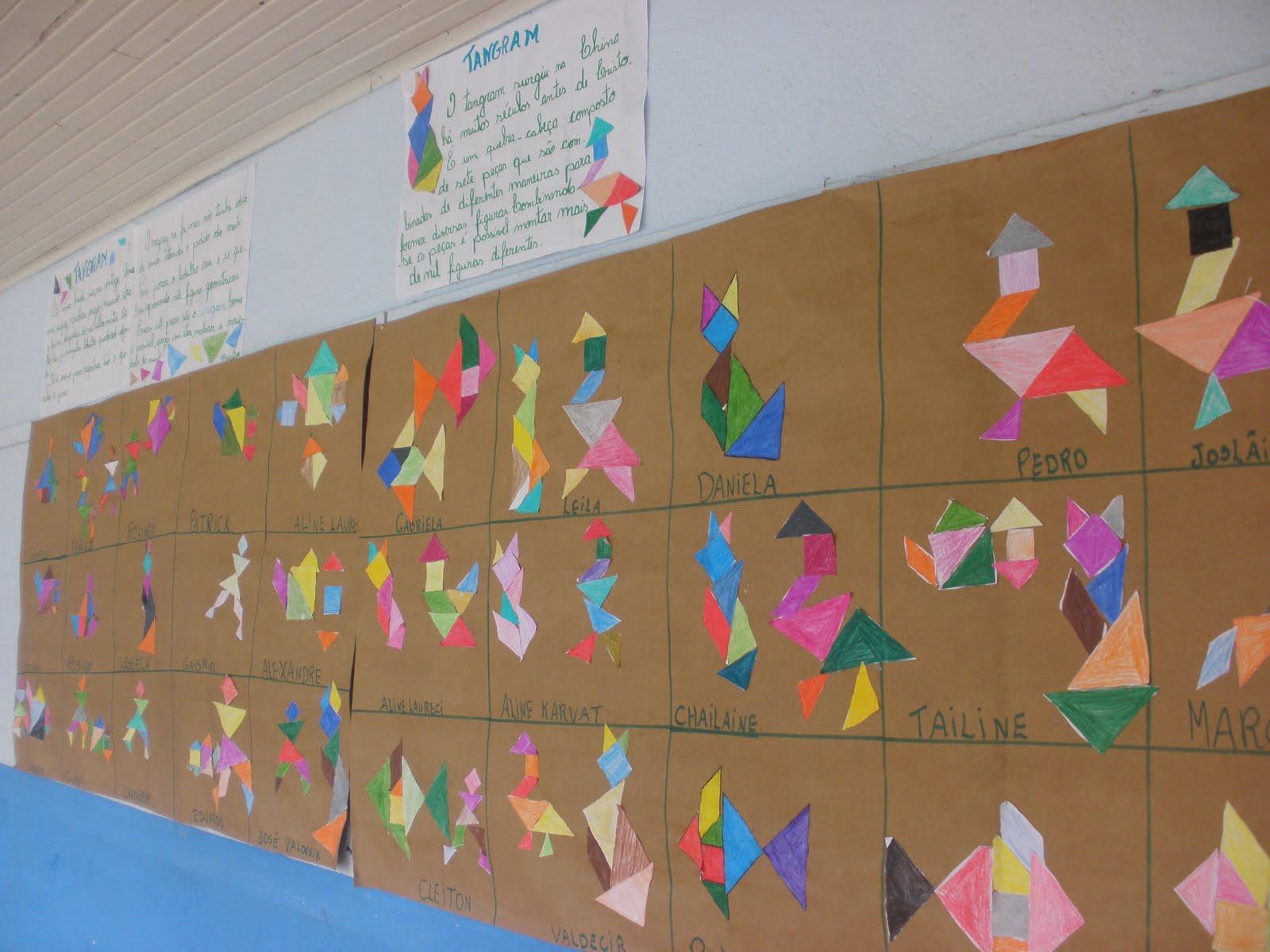 Espa o educar atividades com o tangram for Mural de natal 4 ano