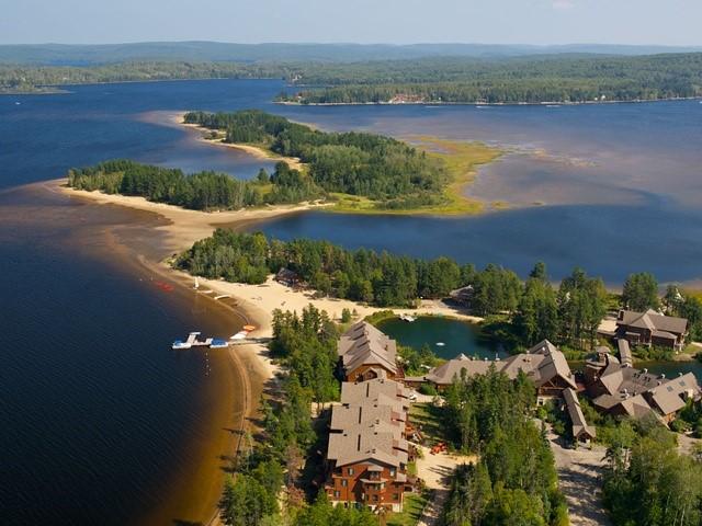 L'Auberge du Lac Taureau une halteà inscrireà votre carnet de voyage # Auberge De La Rive Du Bois