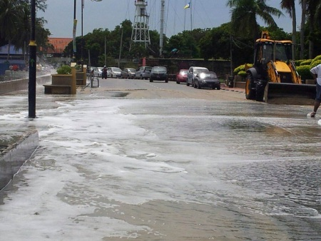 'Giant' waves hit Penang Esplanade