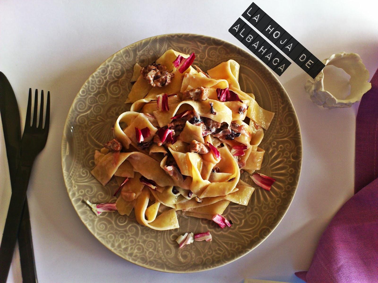 pappardelle, tallarines, kamut, pasta de kamut, achicori aroja, salsa de radicchio