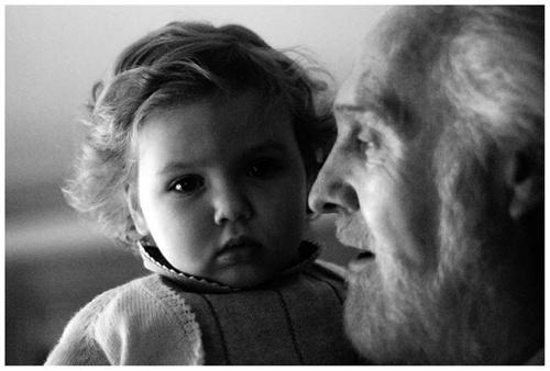 Los abuelos siempre representan una seguridad hacia nosotros, en el ...