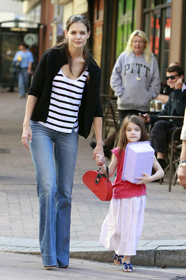 Hollywood Actress Katie Holmes daughter Suri Cruise