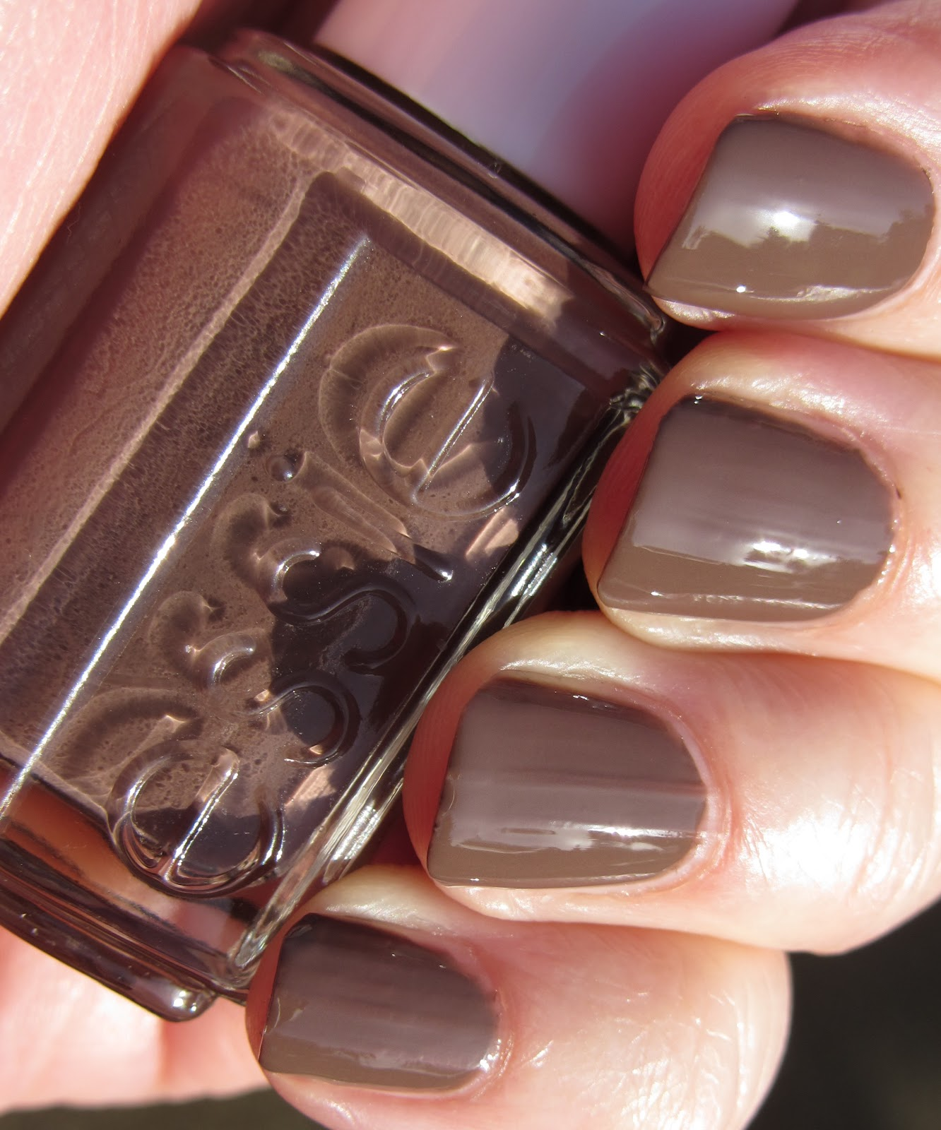 marias nail art and polish blog essie mink muffs. Black Bedroom Furniture Sets. Home Design Ideas