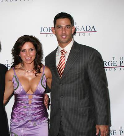 Celebrities dating baseball players