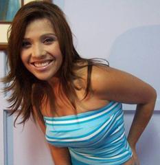 Tula Rodríguez posando