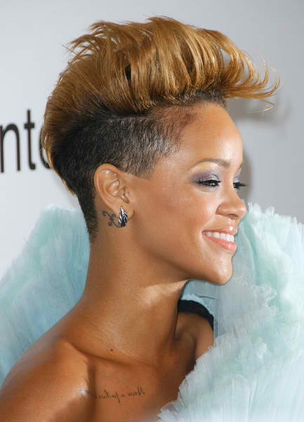 rihanna 2011 pictures. rihanna 2011 hairstyle.