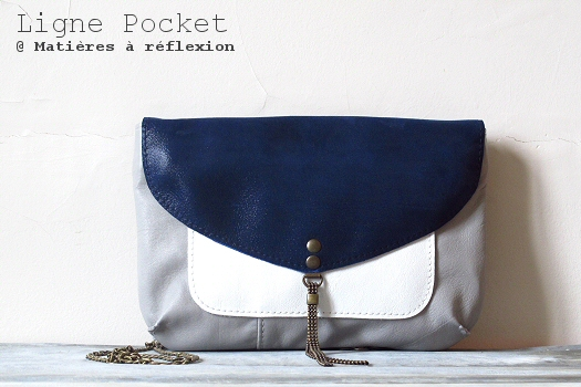 Petit Sac pochette bleu blanc Matières à réflexion