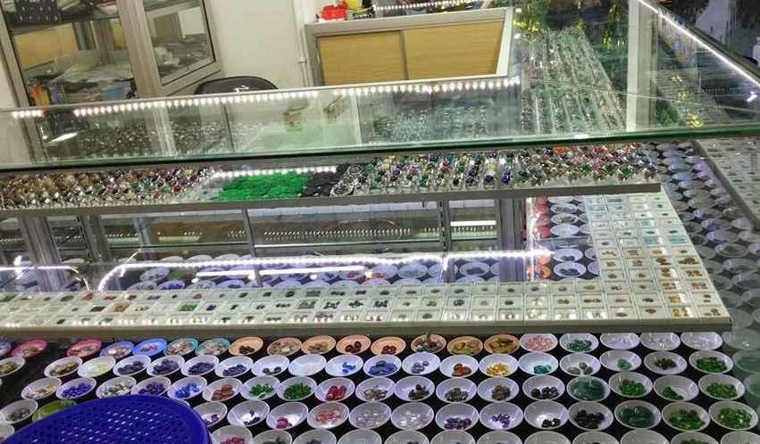 Kayoon, Pasar Batu Akik Terlengkap Dan Terkenal di Dunia