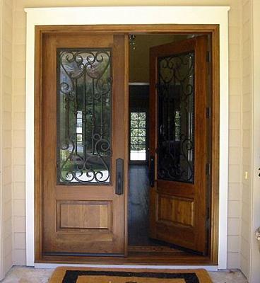 Fotos y dise os de puertas puerta acceso edificios for Puertas de metal con diseno