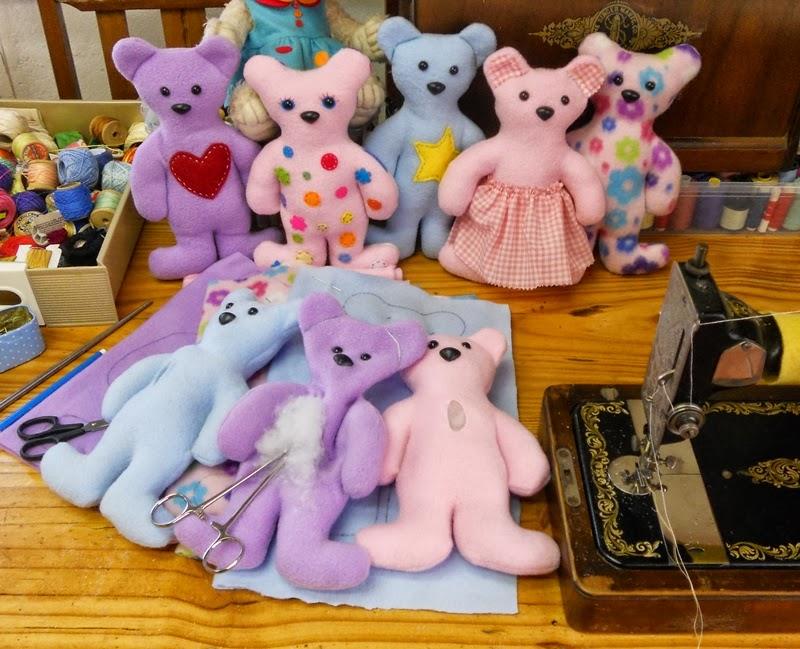 Megan\'s Tiny Treasures: Free Teddy Bear Pattern - A simple softie to ...