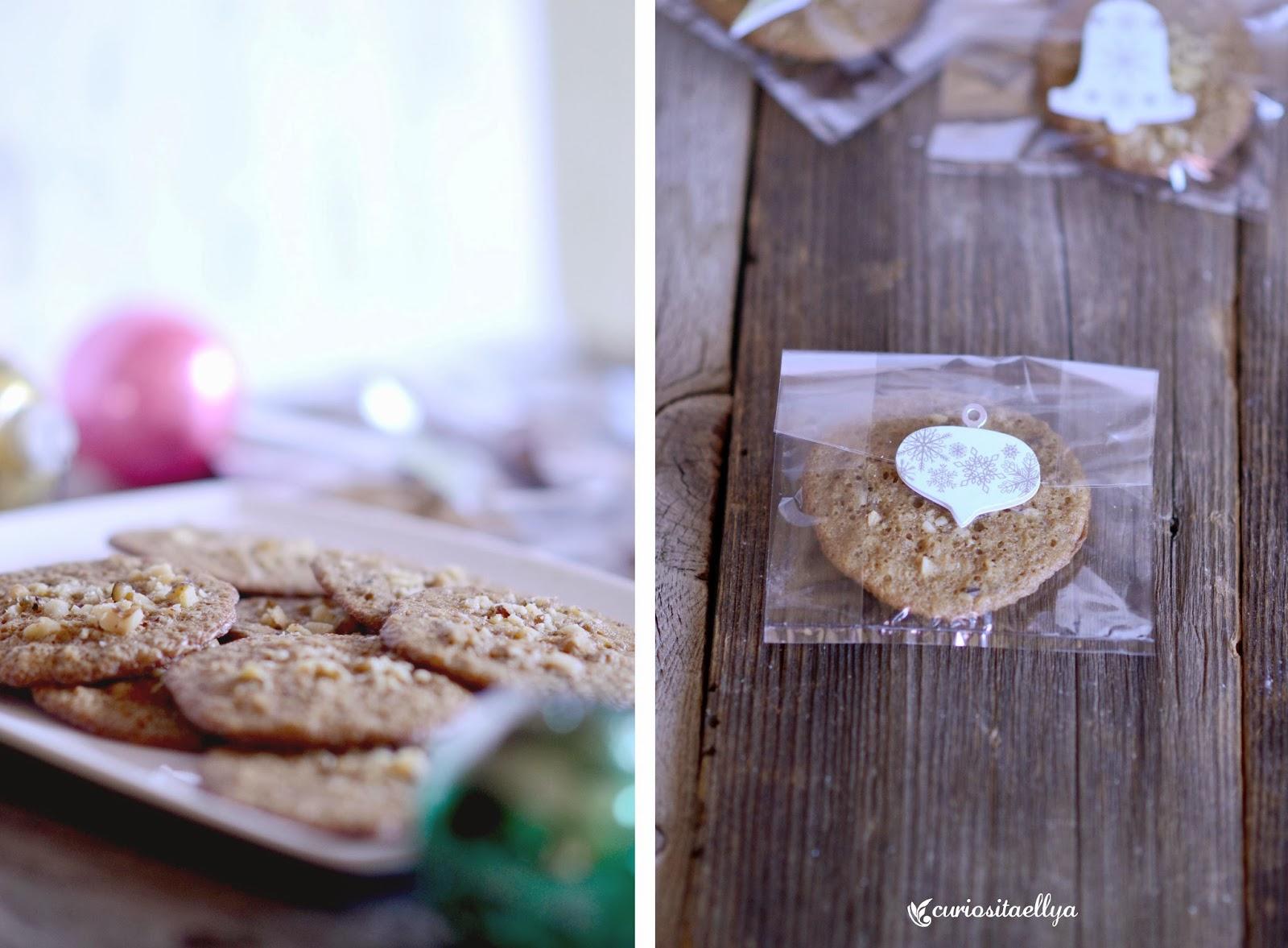 Curiositaellya: Walnut Rum Wafers Cookies