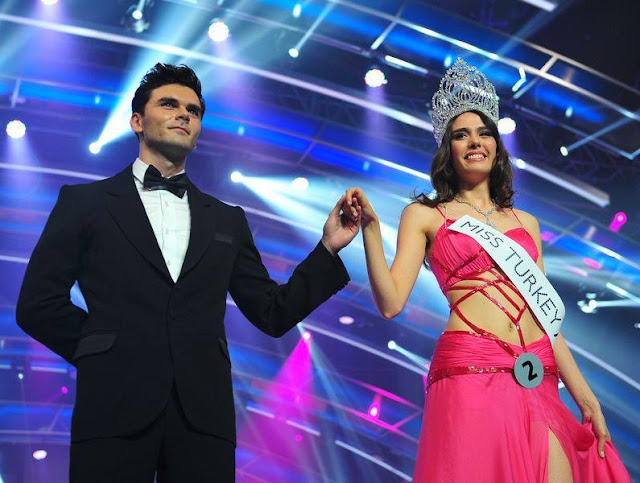 Miss Turkey 2013 winners Ruveyda Oksuz, Berrin Keklikler and Ahu Agisbas Ezgi Avcı