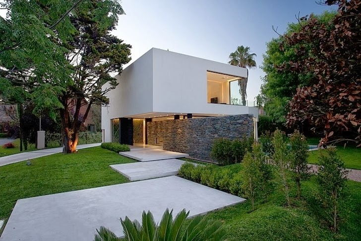 Landscape around Minimalist Casa Carrara by Andres Remy Architects