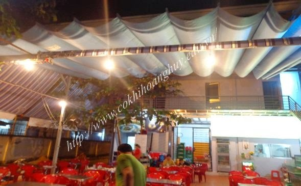 Mái xếp nhà hàng che nắng mưa