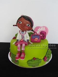 A Doutora Brinquedos no 3º aniversário da Beatriz