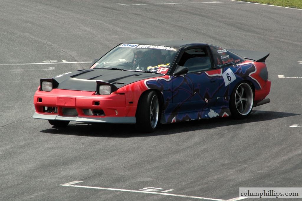 Nissan+180SX+drifting+Mallala+2005+1.jpg