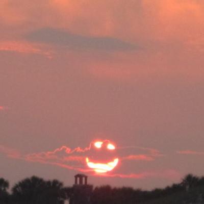 Smiley sol (solnedgang)