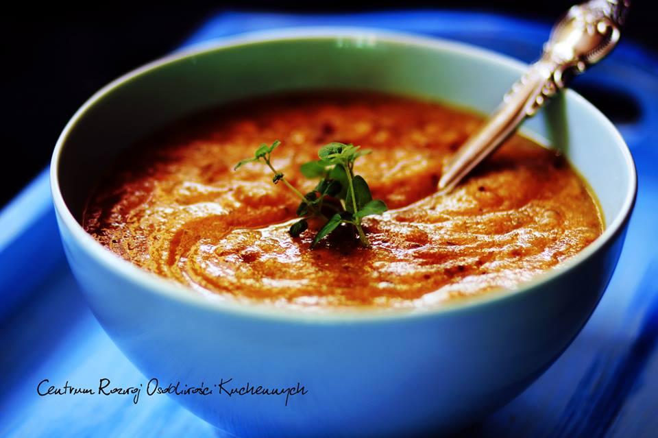 Jesienna zupa krem a kalafiora z kuminem i czarną gorczycą