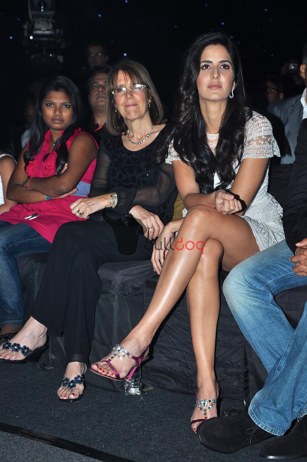 http://1.bp.blogspot.com/-O6n38skqLOg/UOFFXWuPkFI/AAAAAAAAHcA/dTlGh_exstE/s1600/Katrina-Kaif-Feet-878066.jpg