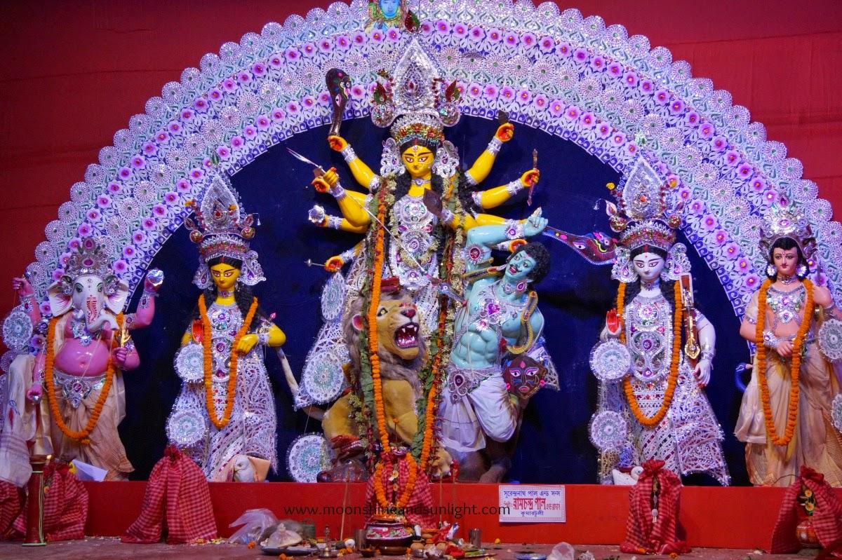 Durga puja pandal hopping 2014 ,Durga puja pandal hopping 2014 ,Durga puja in India, artistic durga Idol, Durga Idol, durga puja,howrah, Kolkata