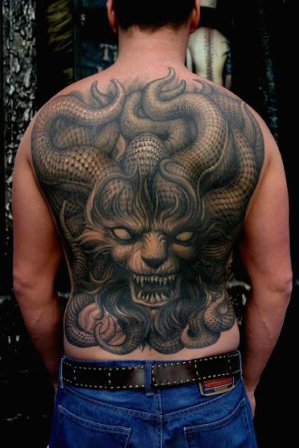 Tatuaje dragón-demonio