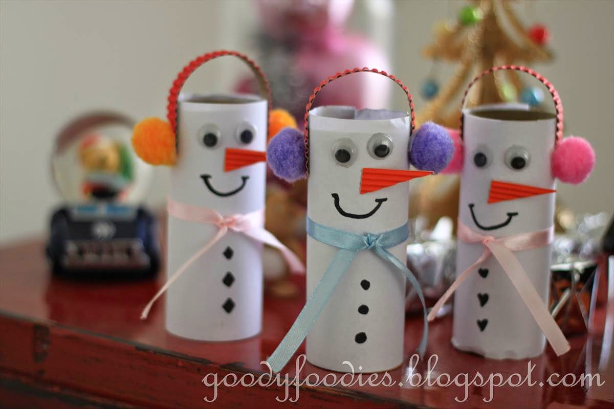 5 christmas decorations made with recycled materials - Cute Snowmen With Ear Muffs And Scarves