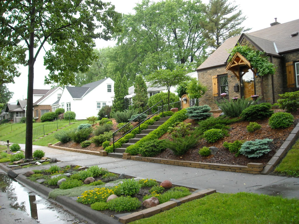 Landscaping Backyard Hill : Brilliant front yard landscaping ideas on a hill almost inspiration