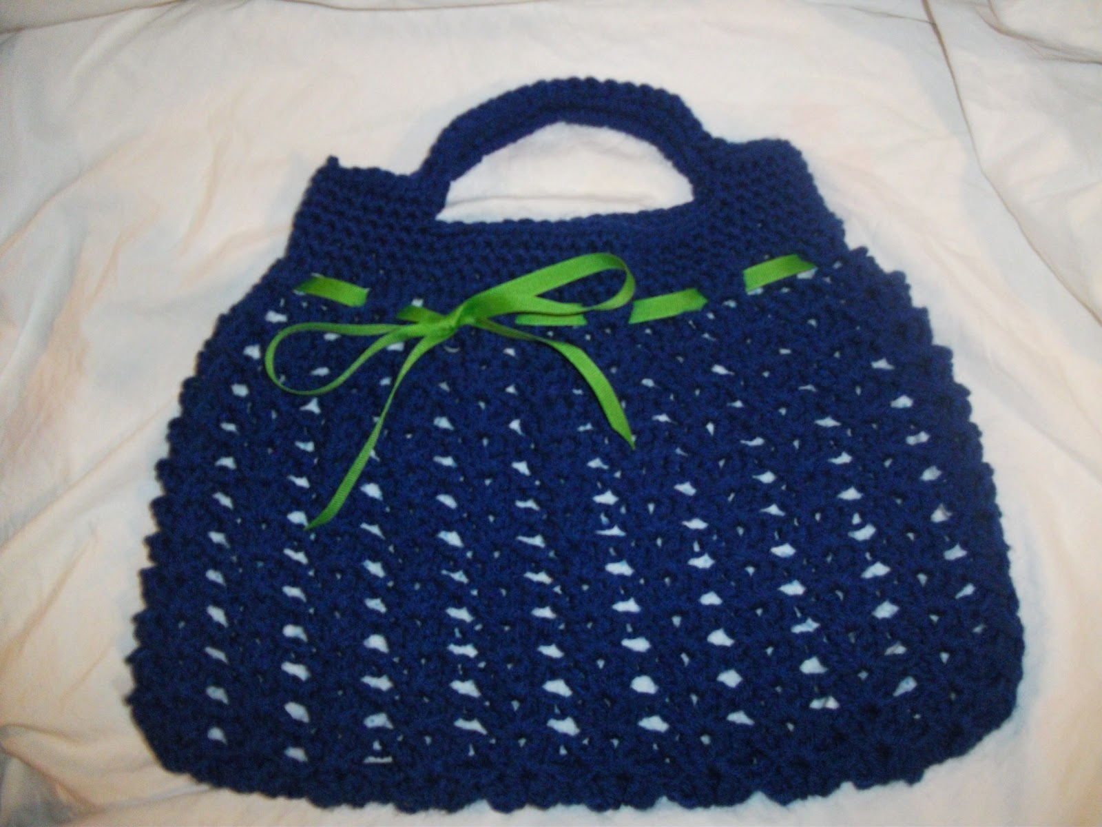 Crochet Hobo Bag Pattern : ... is a link to the lovely person that shared the pattern with the world