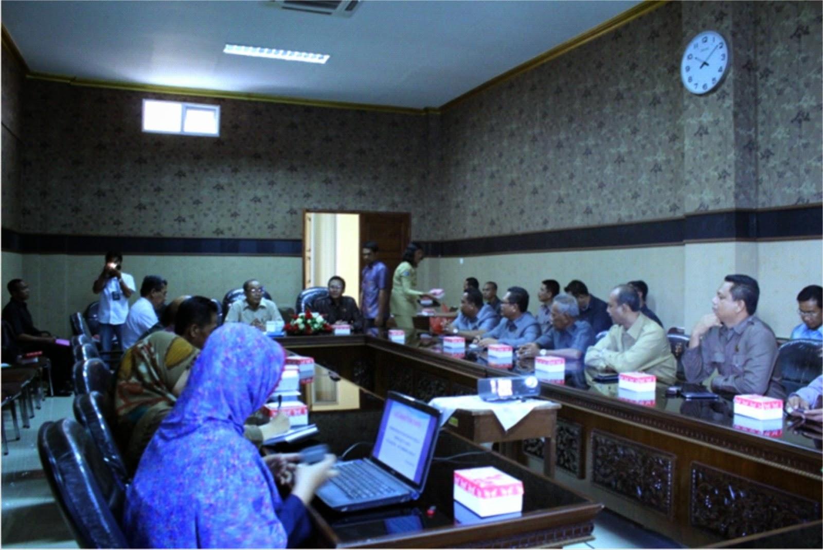 Komisi II DPRD Pelajari Potensi PAD di Pemkab Lobar