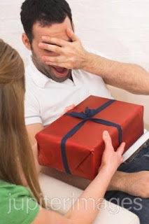 10 Tips Beri Perhatian Romantis Kepada Cowok - www.iniunik.web.id