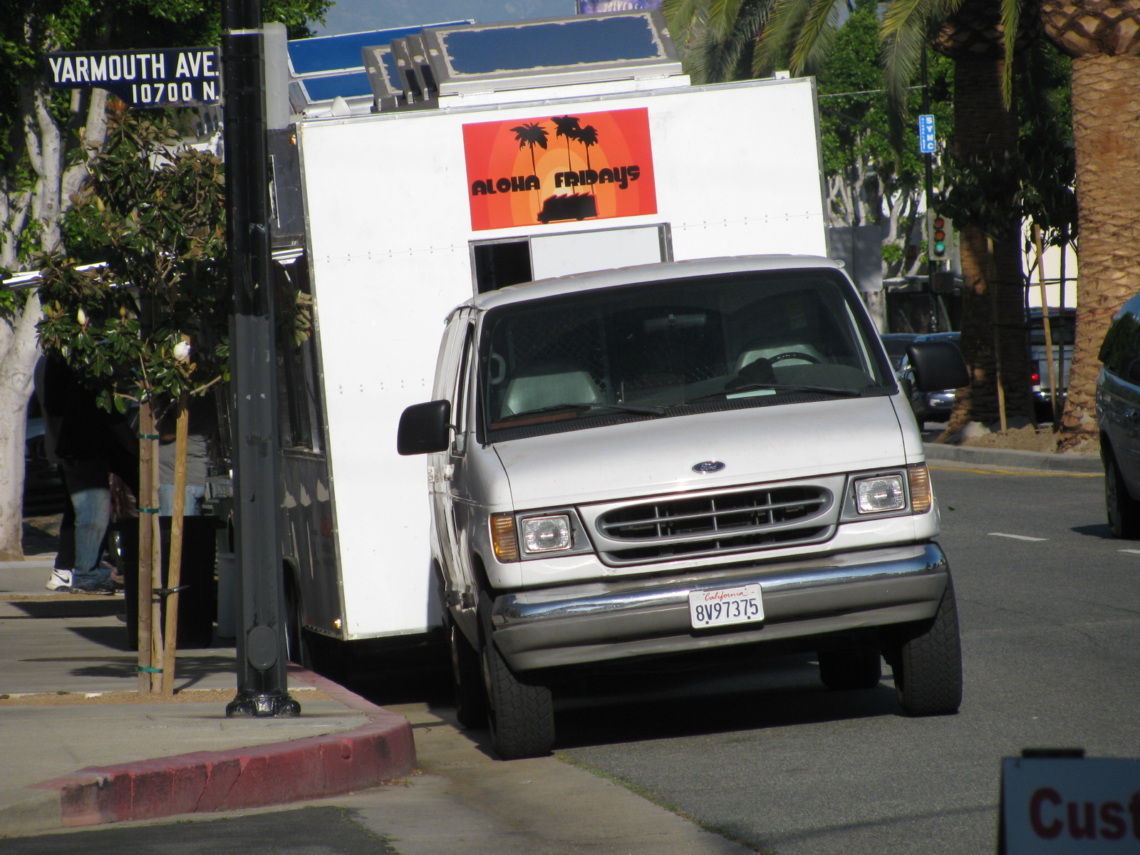 GIGA GRANADA HILLS Another Skirmish In The Food Truck War