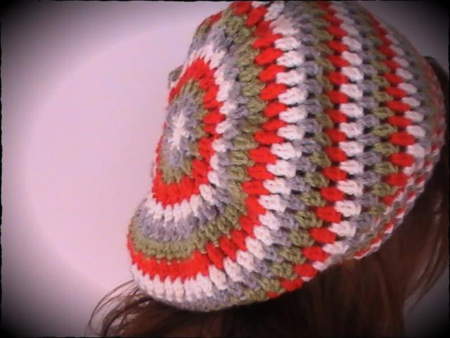 Boina caída hacia atrás tejida a crochet | Margarita Knitting
