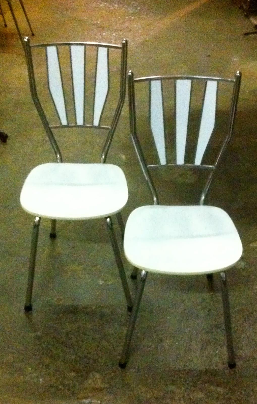 Encantsvintage pareja sillas cocina f rmica blanca for Sillas cocina blancas