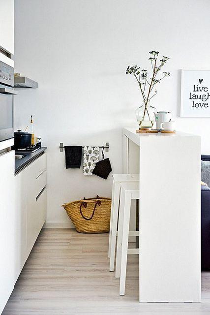 La fabrique d co logement tudiant maximiser l 39 espace for Table haute separation cuisine salon