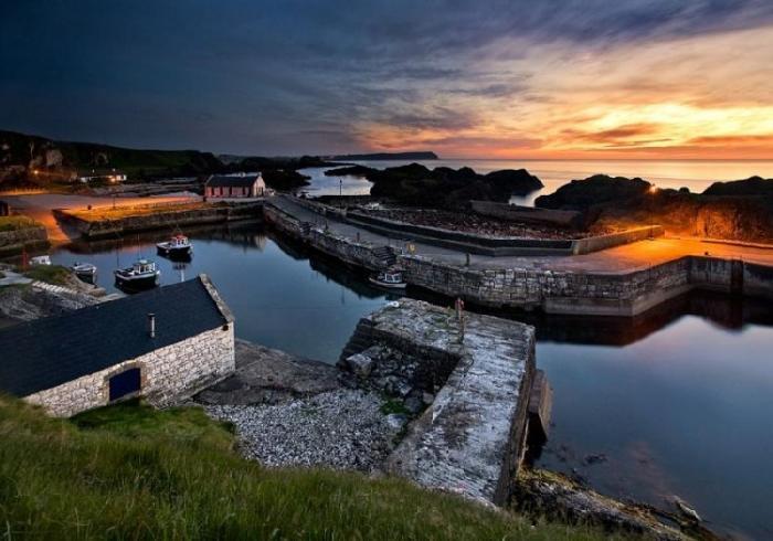 Teluk Ballintoy, Irlandia Utara