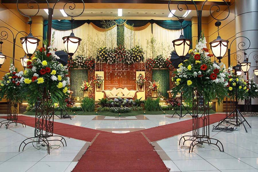 contoh dekorasi pelaminan di Auditorium Sm Sair oleh T n T Design and ...