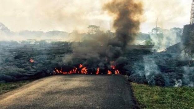 Avanza lava del volcan Kilauea en Hawaii