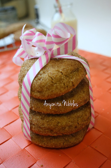 Wrapped and ready to go: delicious brown butter, brown sugar cookies with almonds from www.anyonita-nibbles.com