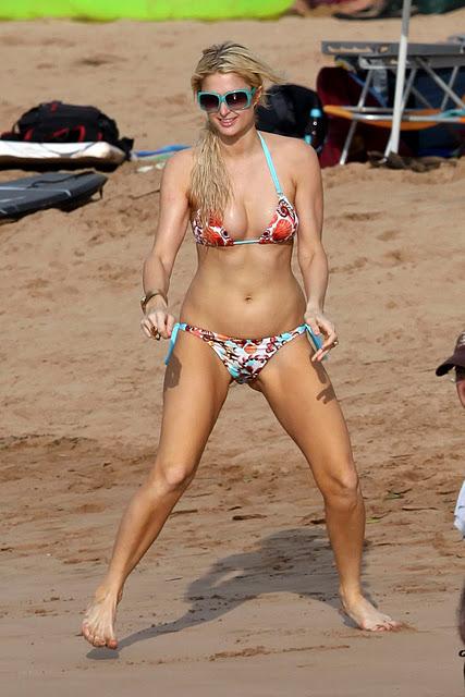 Paris Hilton boyfirend bikini at beach hot pics