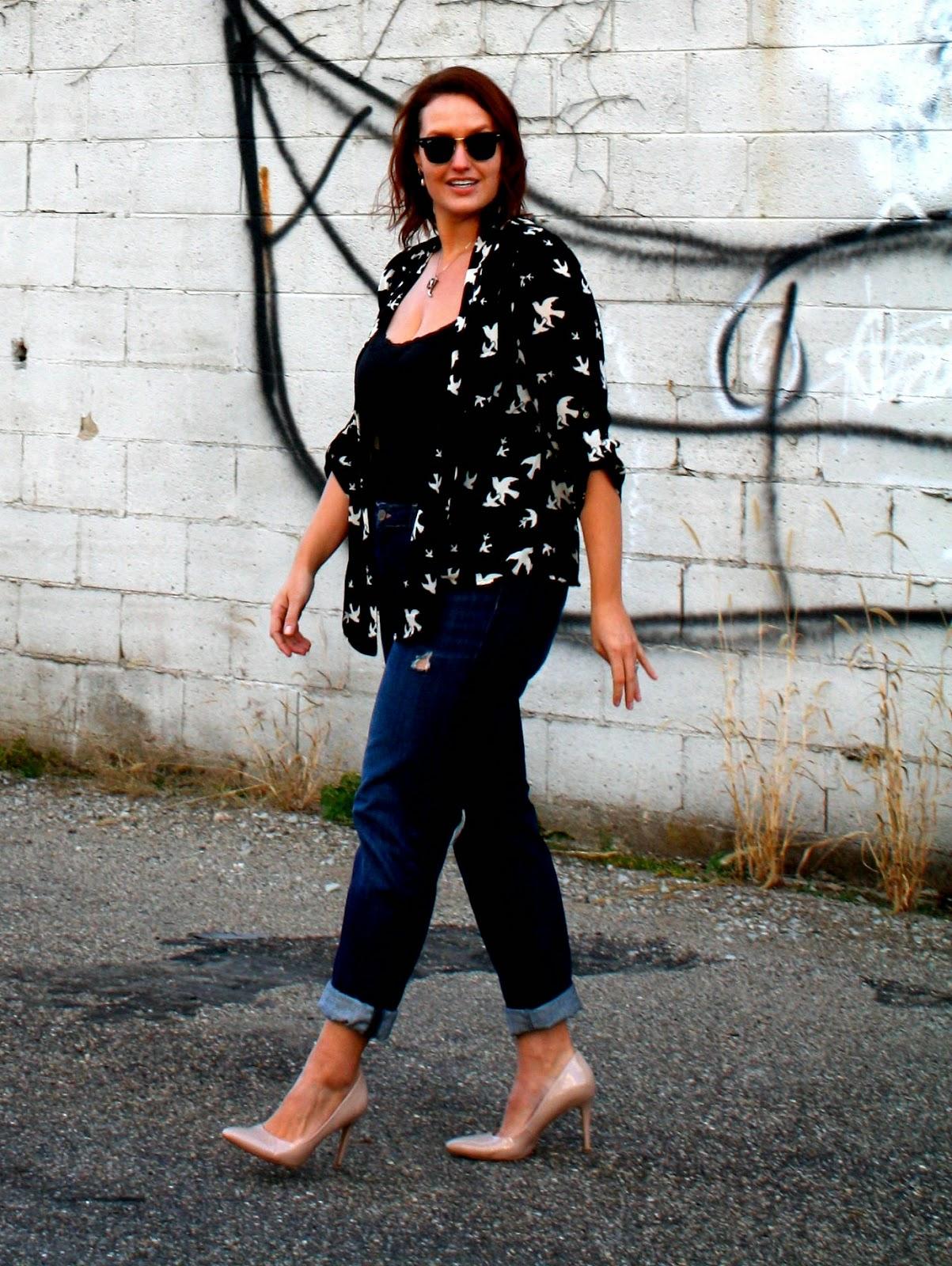 http://www.inkinseyscloset.com/2014/11/momfriend-jeans.html