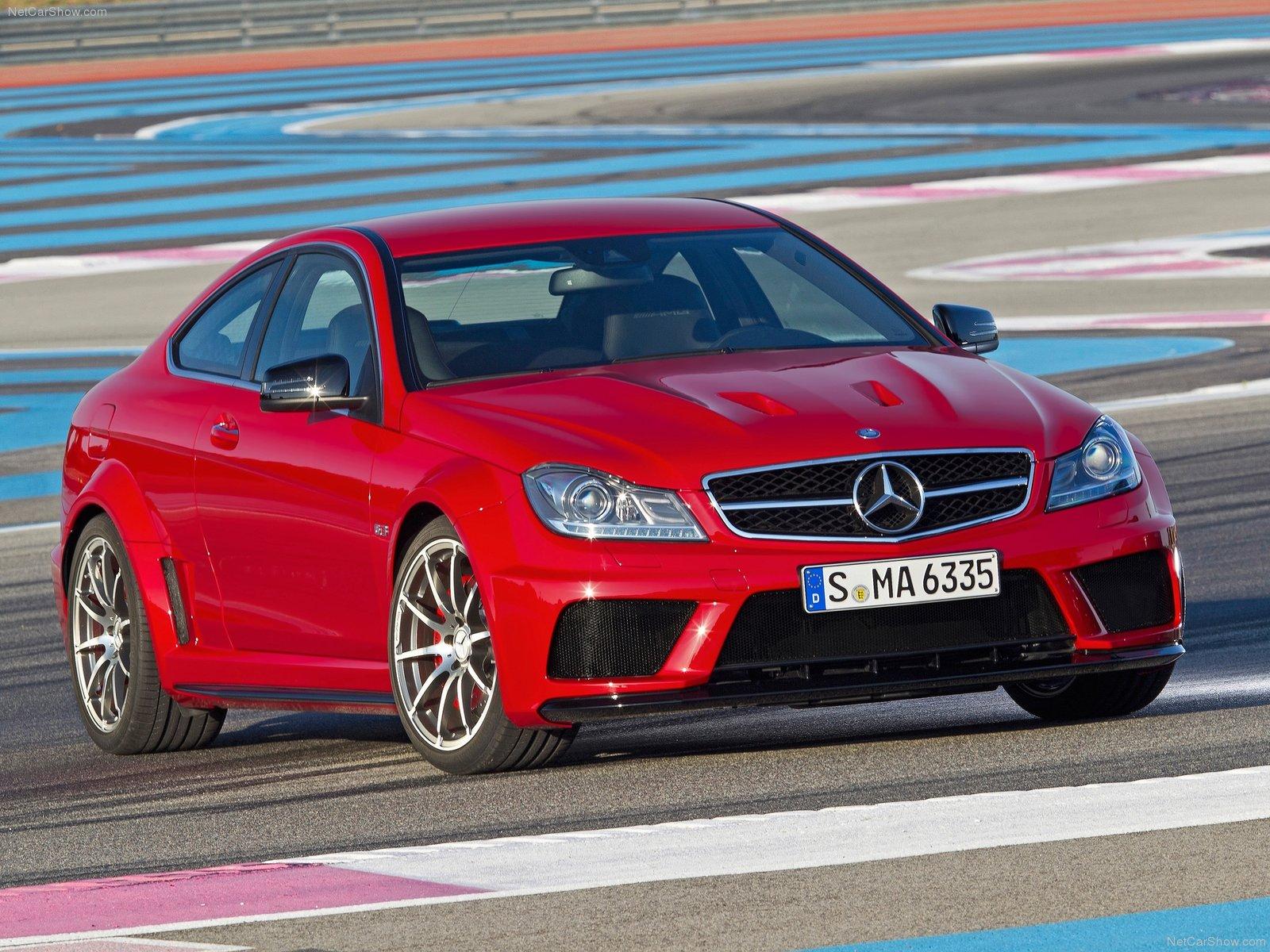 http://1.bp.blogspot.com/-O98J-v14XgI/TvTvhyY4HfI/AAAAAAAAEUE/m_xoYZkeO84/s1600/Mercedes-Benz-C63_AMG_Coupe_Black_Series_2012_1600x1200_wallpaper_03.jpg