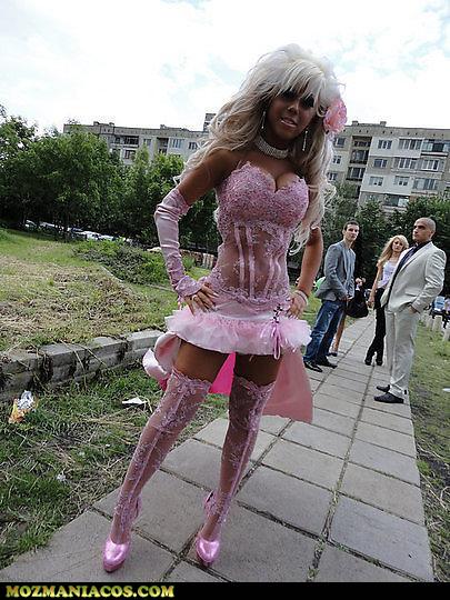Mal vestida Rosa