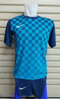 gambar detail jersey futsal musim depan enkosa sport Jersey setelan futsal Nike seri Precision III kotak-kotak warna biru terbaru musim 2015/2016