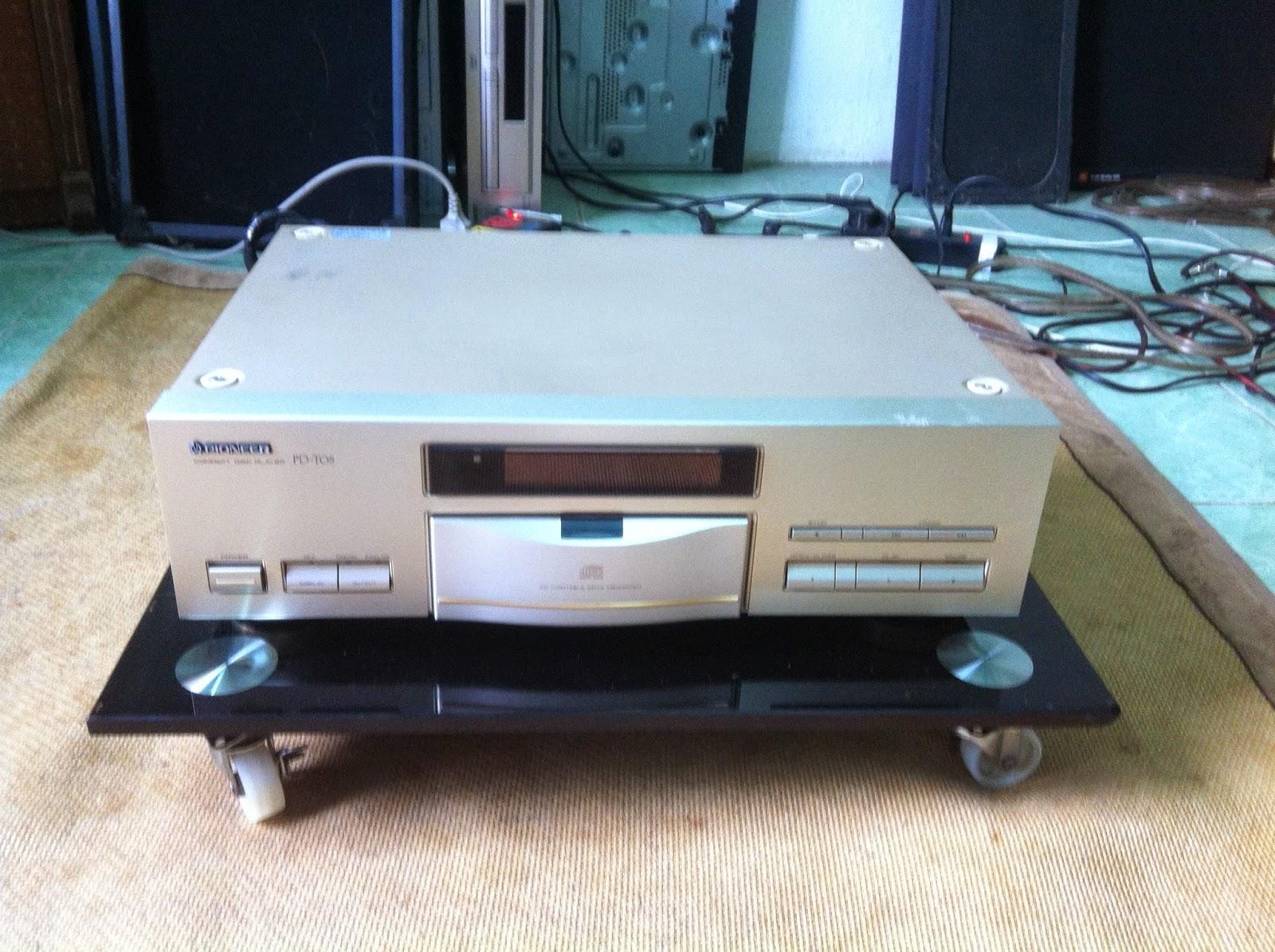 Mặt trước đầu CD Pioneer PD T05