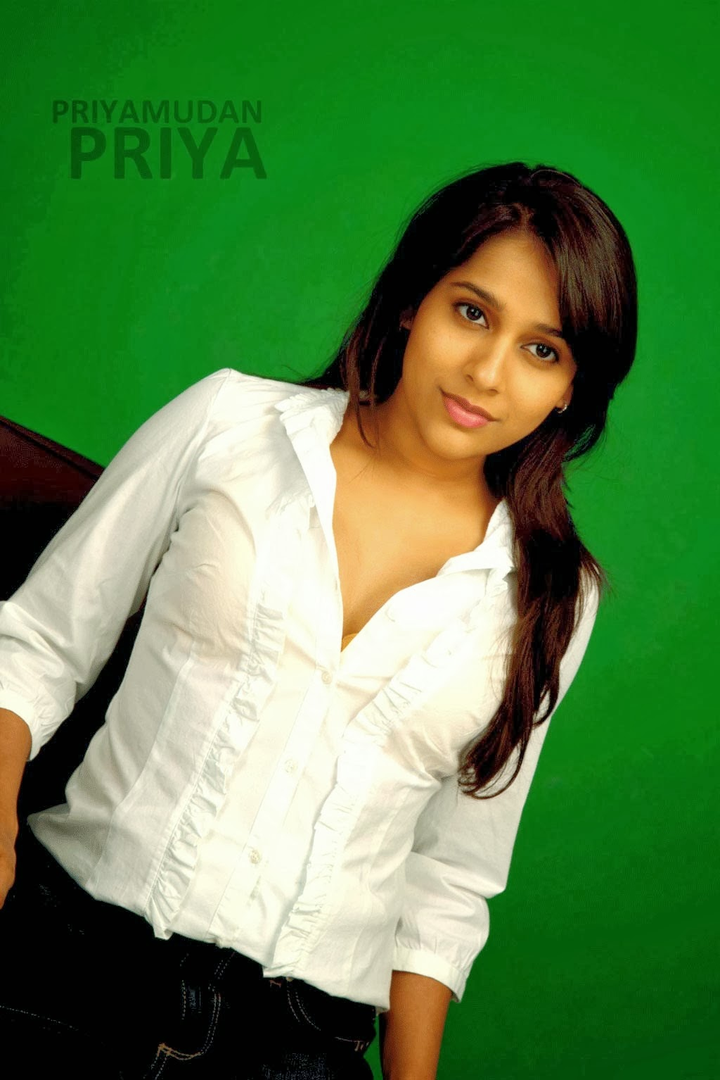 Rashmi Anchor Hot