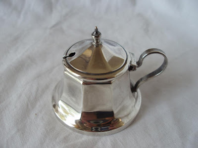 BELL SHAPED MUSTARD POT, STERLING SILVER, BIRMINGHAM 1931