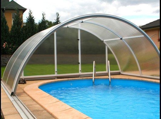 Trabaje menos en la limpieza de su piscina cubriendola con - Cerramiento para piscinas ...