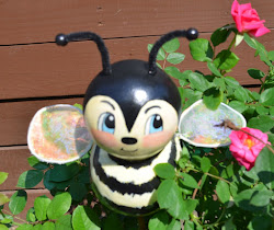 My paperclay Garden Bee