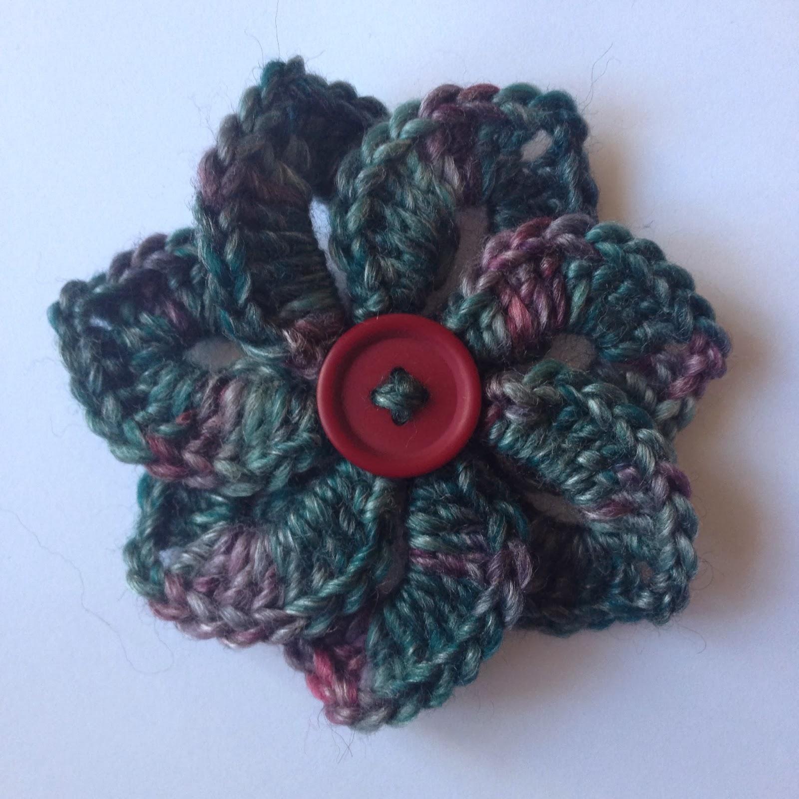 365 Granny Squares Project: A crocodile stitch flower......